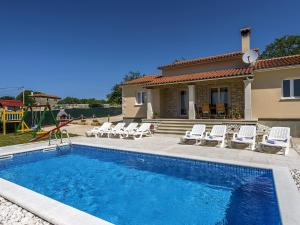 Holiday home Villa Mikela, Case vacanze  Tinjan - big - 8