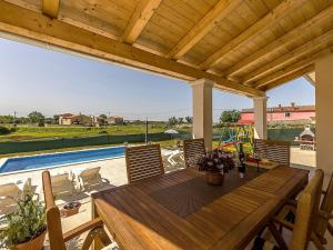 Holiday home Villa Mikela, Case vacanze  Tinjan - big - 26