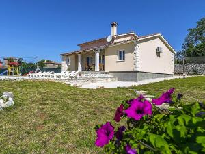 Holiday home Villa Mikela, Case vacanze  Tinjan - big - 39