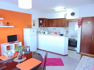 Low Cost Apartment, Apartmány  Peniche - big - 3