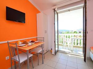 Apartment Karlo.2, Appartamenti  Tribunj - big - 13