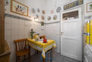 Colosseo Holiday House, Apartmány  Řím - big - 14