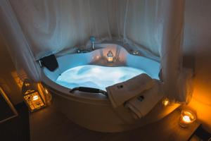 Deluxe Twin Room with Spa Bath