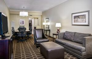 Conference Suite with Two Double Beds - Non-Smoking