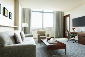 Deluxe Four Seasons Executive Suite