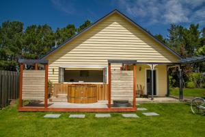 The Old Manse, Bed and breakfasts  Martinborough  - big - 24