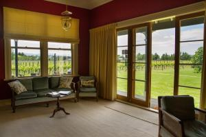 The Old Manse, Bed and breakfasts  Martinborough  - big - 30