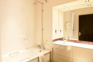 Premier Inn Guildford North - A3, Hotels  Guildford - big - 16