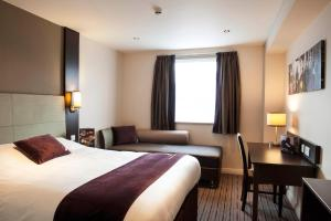 Premier Inn Guildford North - A3, Hotels  Guildford - big - 15