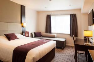 Premier Inn Guildford North - A3, Hotels  Guildford - big - 14
