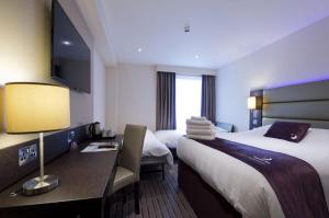 Premier Inn Guildford North - A3, Hotel  Guildford - big - 11