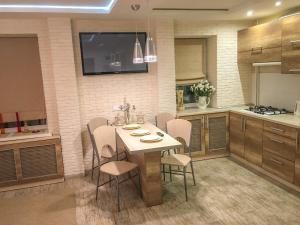 Studio Luxe on Victory Street in the city center, Apartmány  Vinnycja - big - 17