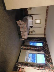 Double Room with One Double Bed - Disability Access - Non-Smoking