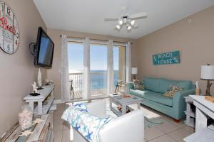 One-Bedroom Apartment with Sea View - 1805