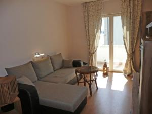 One-Bedroom Apartment in Barbat I, Apartmány  Barbat na Rabu - big - 12