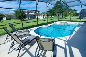Deluxe Five-Bedroom Home with Private Pool - Calabria