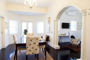 Luxury Huguenot Suite