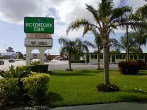 Photo of Economy Inn Okeechobee