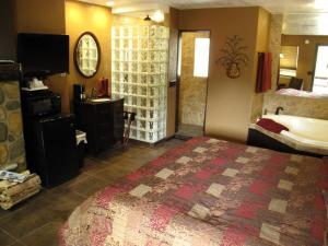 Deluxe King Room with Spa Bath (2 Adults)