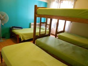 Single Bed in 6-Bed Dormitory Room with Shared Bathroom