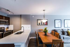 Deer Lodge - Two-Bedroom Apartment
