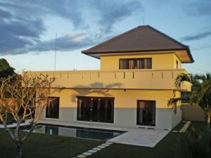 Keramas Moonlight Villa