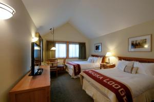 Deluxe Double Room with Two Double Bed and Cliff  View