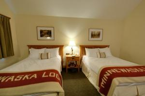 Deluxe Double Room with Two Double Beds and Forest View