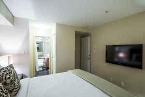 Glacier's Reach - Two-Bedroom Apartment - 4388 Northlands Boulevard