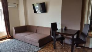 Grand'Or Studio Apartments, Apartmány  Oradea - big - 21