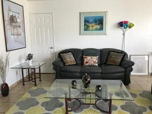 Huge 2BD/2 BATH. Apt. fully furnished in Burbank, Apartmány  Burbank - big - 2