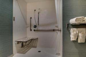 King Room - Disability Access With Roll In Shower - Non-Smoking