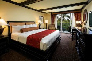 One King or Two Double Bed Room with Resort View