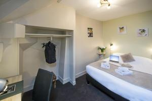 Economy Double Room on the 4th Floor with a skylight