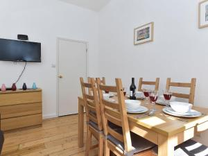 Holiday Home Strat Villas, Londra