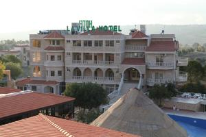 Photo of La Villa Hotel