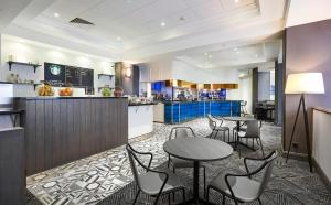DoubleTree by Hilton Dartford Bridge, Отели  Дартфорд - big - 74