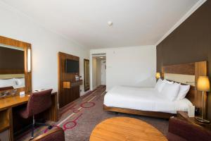 DoubleTree by Hilton Dartford Bridge, Отели  Дартфорд - big - 11
