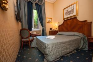 Double Room with Small Double Bed- Via Germanico 201