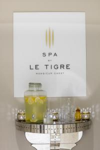 Superior Double Room with Half Bottle of Champagne and 20% discount on massage at Spa by Le Tigre