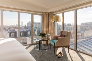 Deluxe Double Room with City View and Spa Access