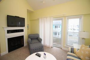Premier Two-Bedroom Apartment with Bonus Room