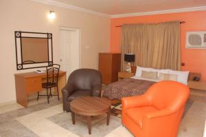 The Dons Suite Hotel room photos