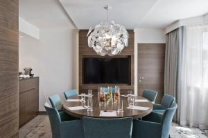 Apartament typu Park Suite z wstępem do salonu Executive Lounge