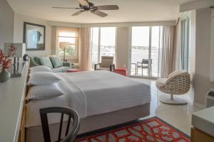 Deluxe King Room with Gulf View