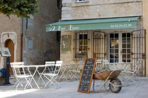 Chambres d'hotes Le 2 - Bed and Bistrot Vence