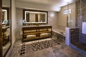 The Boulders Resort & Spa, Curio Collection by Hilton, Resorts  Scottsdale - big - 12