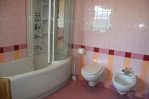 B&B Centro Arcangelo, Bed and breakfasts  Dro - big - 25