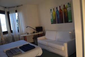 B&B Centro Arcangelo, Bed and breakfasts  Dro - big - 35