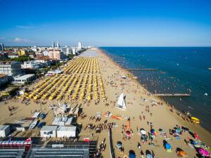 Hotel Touring, Hotely  Lido di Jesolo - big - 84